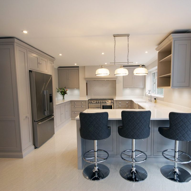 Our stunning classic in frame shaker kitchen finished in Farrow & Ball Dove Tale.